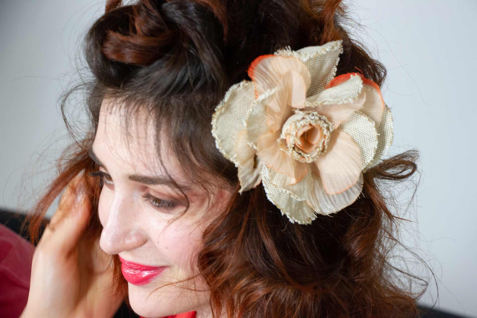 Capelli corti raccolti | Shooting Flower | Danys Fashion Carpi